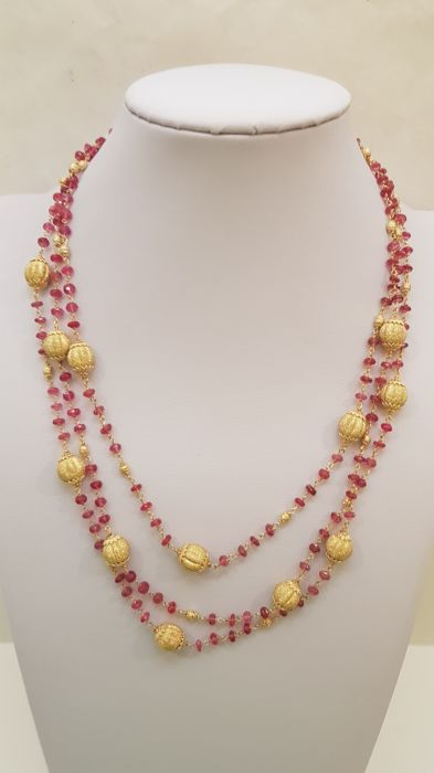 18 kt. Yellow gold, Rubini - Beautiful Italian parure necklace and earrings