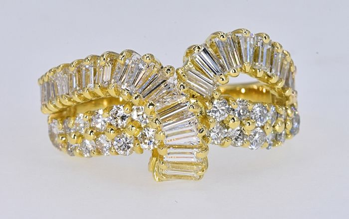 18 quilates Oro amarillo - Anillo - 3.27 ct Diamante