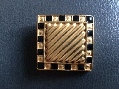 Carven gold-plated brooch with enamel