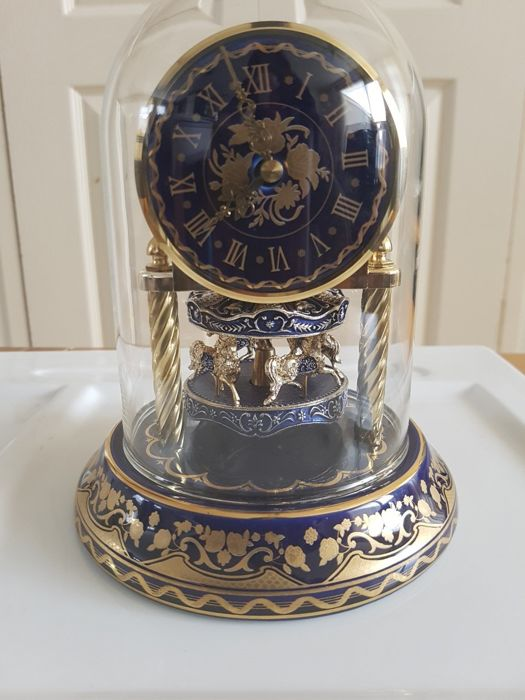 William Dentzel  III - Franklin Mint - Clock (1) - Porcelain and metal