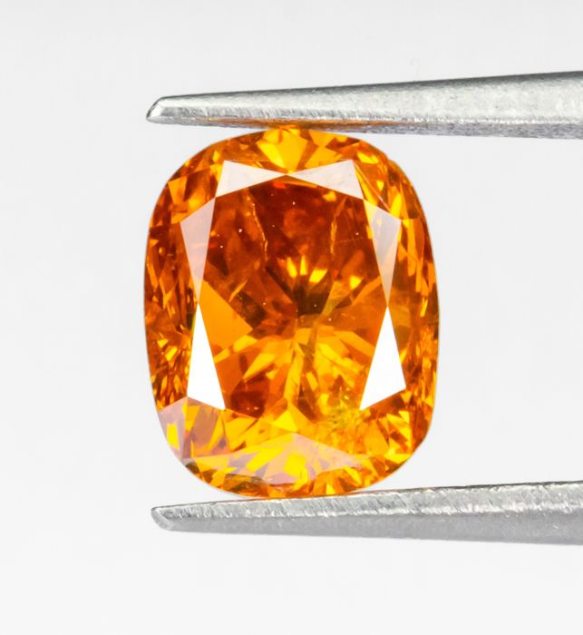 Diamond - 0.91 ct - Natural Fancy INTENSE Orange - I1  *NO RESERVE*