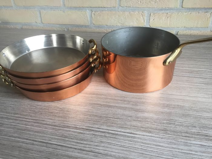 copper pans and saucepan (5) - red copper / yellow tin