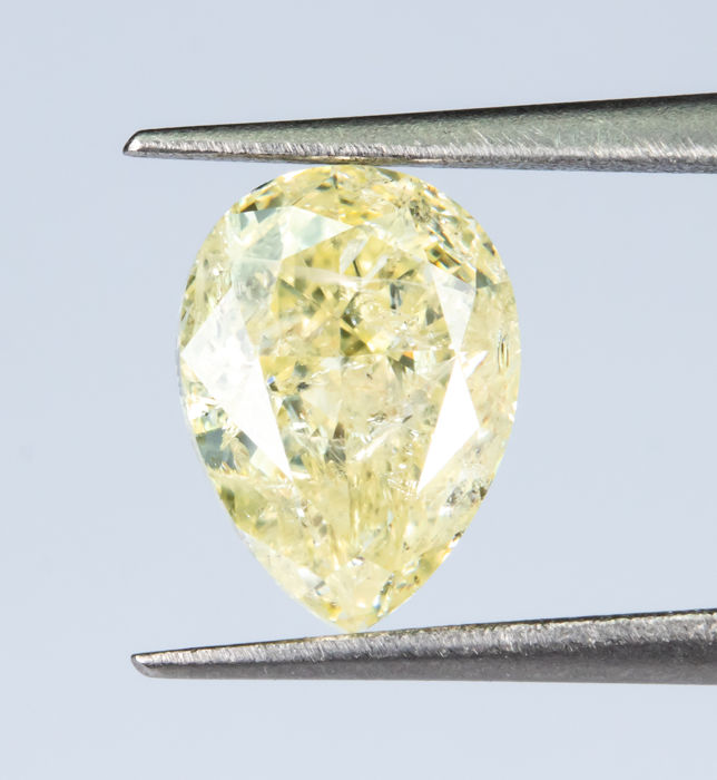 Diamante - 1.02 ct - Natural Fancy Light Yellow - I1  *NO RESERVE*