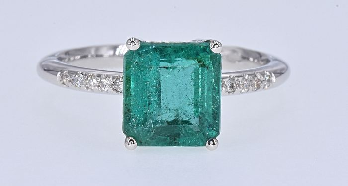 18 kt. White gold - Ring - 3.27 ct Emerald - Diamonds