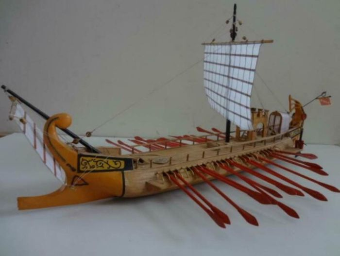 Scale boat model, Trireme - Brass, Wood - Second half 20th century