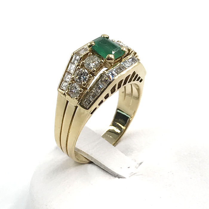 18 kt. Yellow gold - Ring Emerald - Diamonds