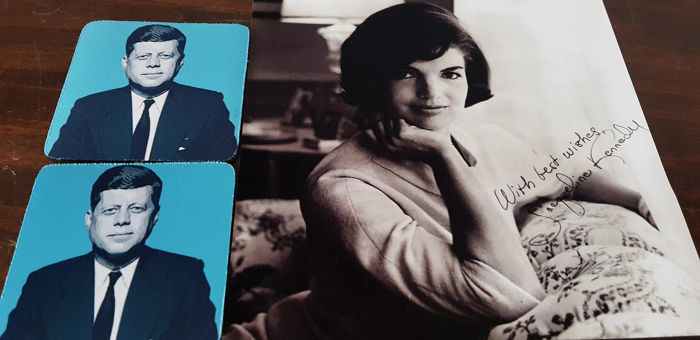 see description  - Lot of 2 Jaqueline Bouvier Kennedy photo collector item