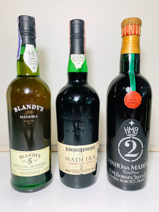 "Madeira: Borges ""2"" & Henriques & Henriques ""full rich"" 5 years old & Blandy's Sercial 5 years old - Madeira - 3 Fles (0.75L)"