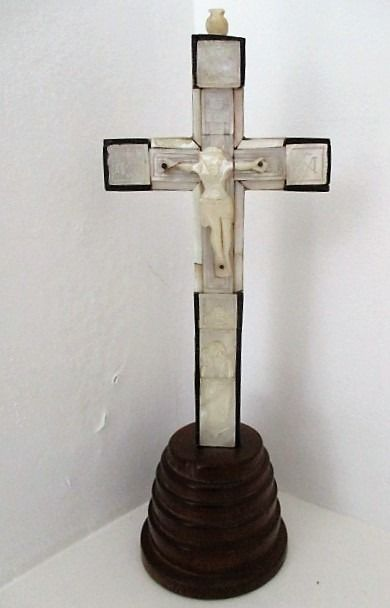 Cross reliquary with numberd nacre  stations - Ebony, Mother of pearl