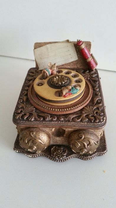 Music box - Telephone - Unknown