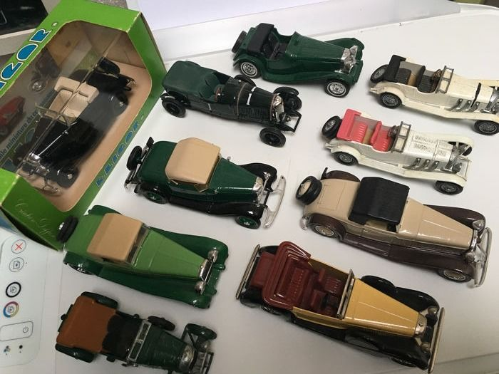 Eligor / Lesney Matchbox - 1:43 - Lot avec 10 miniatures: Panhard, Mercedes , Ford , Bentley