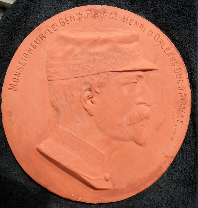Plaque, PRINCE HENRI D'ORLÉANS, Duc d'Aumale - Terracotta - Second half 19th century