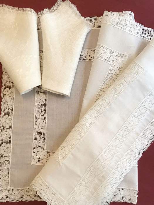 Lot of placemats with napkins. Tiptoe. No use. - Batista cotton, lace-up, perfect condition.