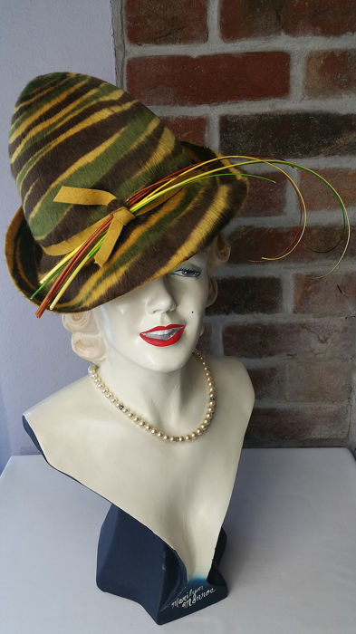 Mady Hatz Bespoke Millinery - One Size Hoeden & Fascinators