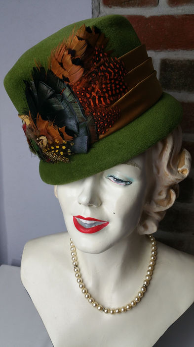 Andrea Fashions Bespoke Millinery (Union Made) - One Size Hoeden & Fascinators