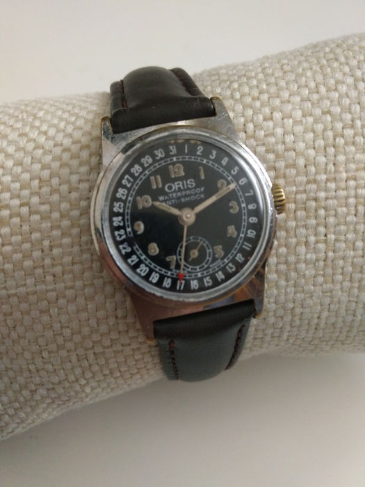 Oris - Pointer Date Cal.704 military dial - Hombre - 1901 - 1949
