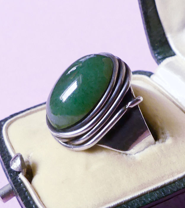 Francisco Rebajes - Original hand wrought design - Signed not a reissue - 925 Silver - Ring - 4.50 ct Green jade