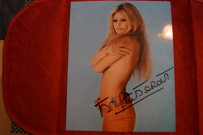 Brigitte Bardot - Signed Photo - COA  - Autograph, Photo