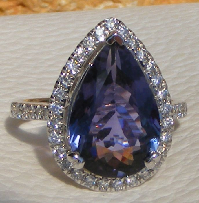 18 karaat Witgoud - Ring - 5.58 ct Tanzanite AAAA Certified Natural van GIA Laboratory - en Diamanten VS
