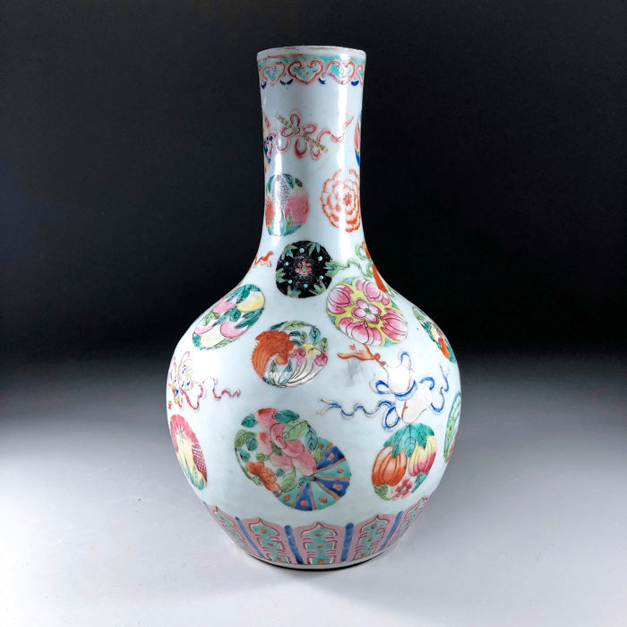 "34cm -  ""Anbaxian"" Bottle Vase Tianqiuping - Famille rose - Porcelain - Eight Daoist Emblems - China - 19th century"