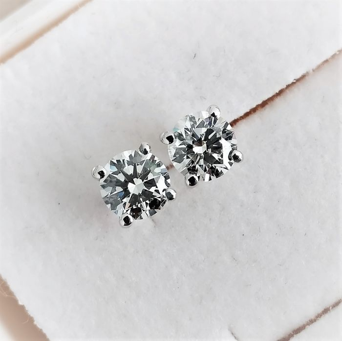 18 kt. White gold - Earrings - 0.72 ct Diamond