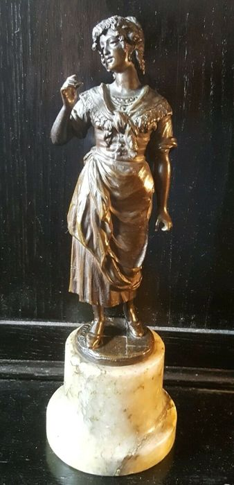 Rudolf Winder (1842- ca. 1900) - Sculpture, woman reading card - Bronze (patinated) - Late 19th century