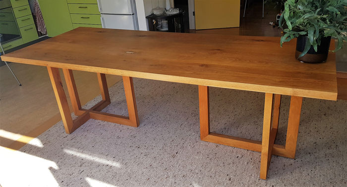 Baat - Dining table (1)