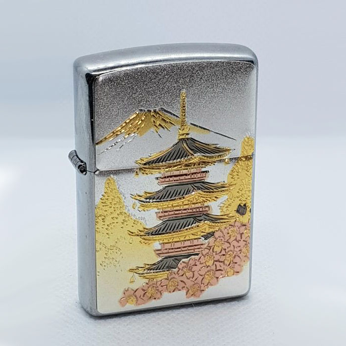 Zippo - Rokuonji Mount Temple d'or Fuji incrustation d'or 24 kt Rare Limited Edition