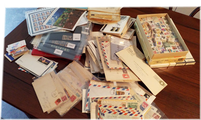 USA - years between  1860/1990 - Large batch in box - contains stamps, covers, booklets, bundles, FDC's, FFC's and lots more