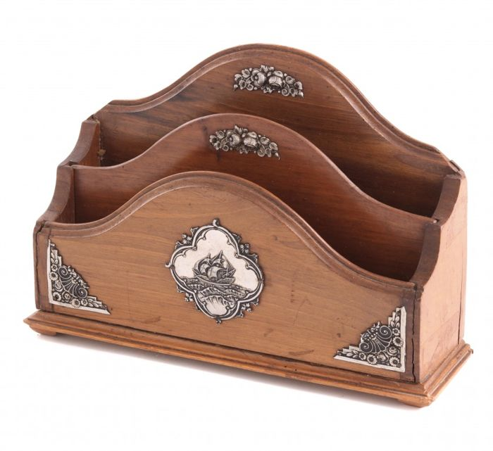 Card holders - Silver plated, Walnut