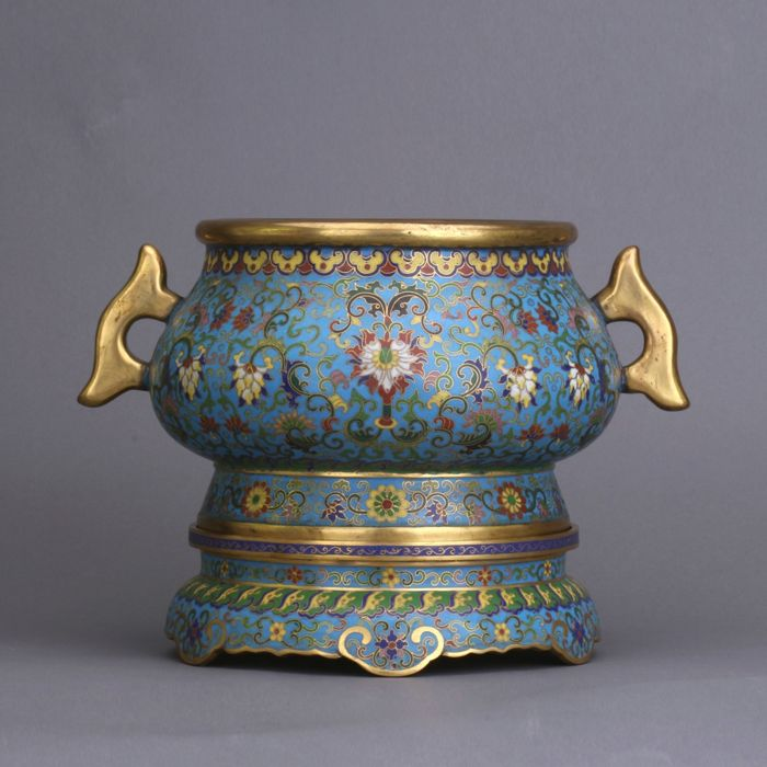 Censer - Enamel - A cloisonne' enamel lotus censer - China - Late 20th century