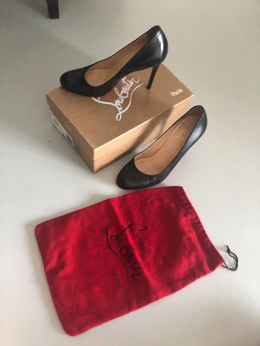 tout neuf 9dd98 ce2c7 Louboutin chaussures - Taille: FR 38 - Catawiki