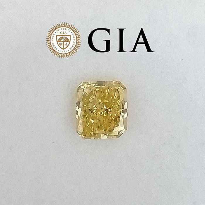 Diamante - 0.78 ct - Radiante - Natural Fancy Brownish Yellow - SI2