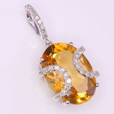 14 Kt  Witgoud - Hanger - 4.70 ct Citrien - Diamanten