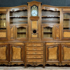 Library buffet with clock Bressan - Louis XV Style - walnut and elm - First half 20th century