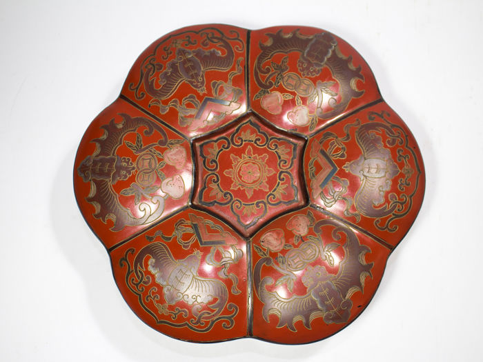Large Chinese Box with Bats - Lacquer, Wood - China - mid 20th century