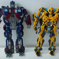 Hasbro - Transformers  - Optimus Prime and Bumblebee Characters including DVD - 2000-present - Asia