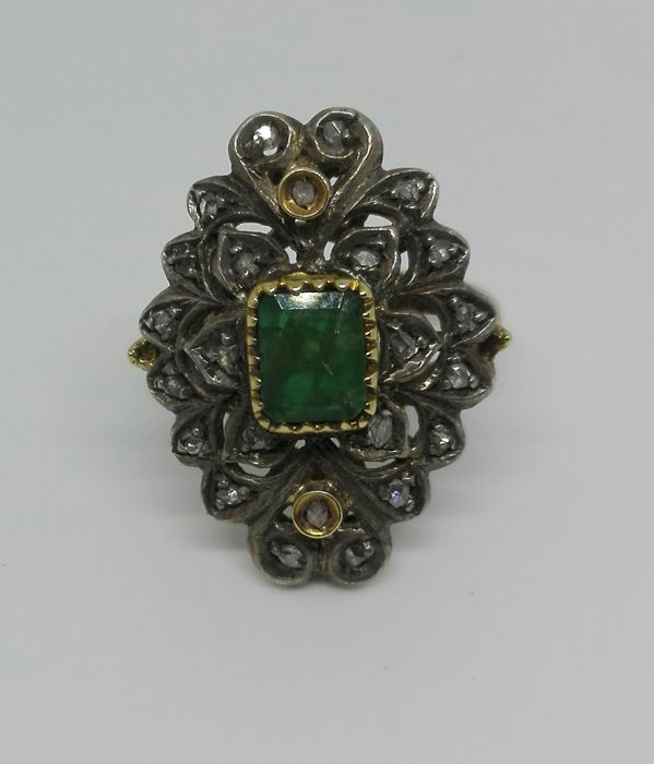 18 kt gold and silver - Ring - 1.30 ct Emerald - Diamonds