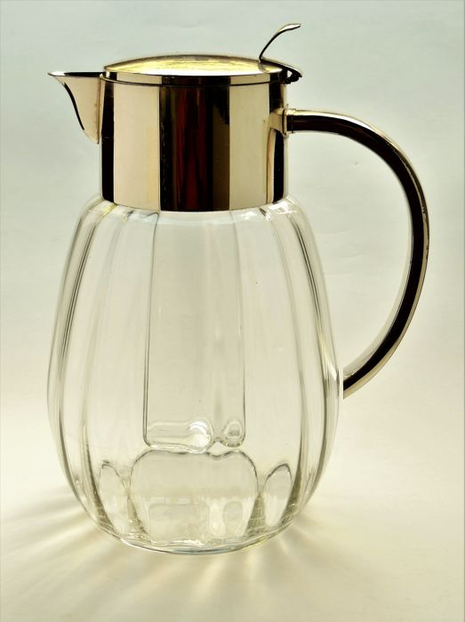 Bauhaus - Art Deco- Ära - unbez. wohl Quist o. WMF - Decanter with cooling insert * Carafe with cooling insert
