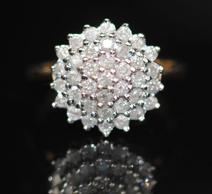 9K Guld - Ring, Diamanter Cluster (0.04cts)