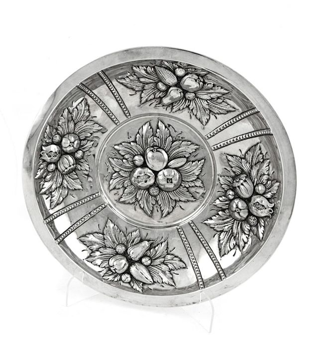 Decorated circular centerpiece - .915 silver - Spain - First half 20th century