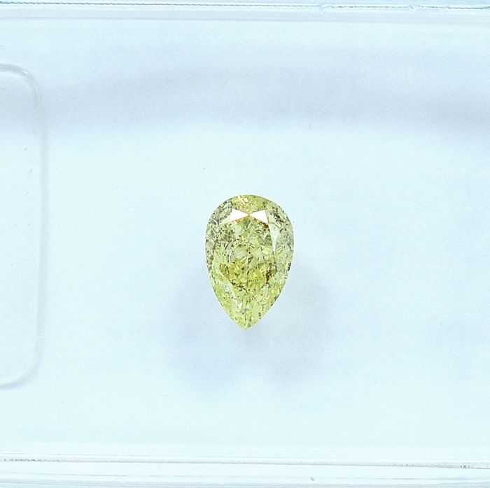 Diamant - 0.28 ct - Birne - Natural Fancy Light Green-Yellow - Si2 - NO RESERVE PRICE
