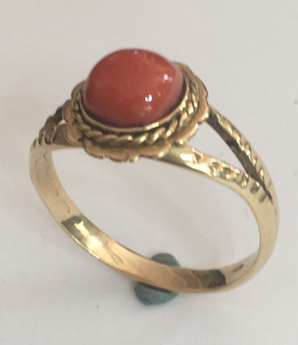14 kt. Yellow gold - Ring blood coral