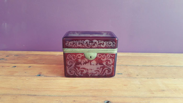 Egermann - Antique Bohemian Glass Jewelry Box / Sugar Box - Rectangular - Ruby Red - Approx. 1880-1890 - (Grand (1) - Hand cut Overlay / Überfang Glass