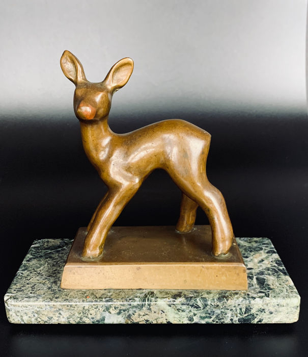 Art Deco - Bronze sculpture of a deer on marble base