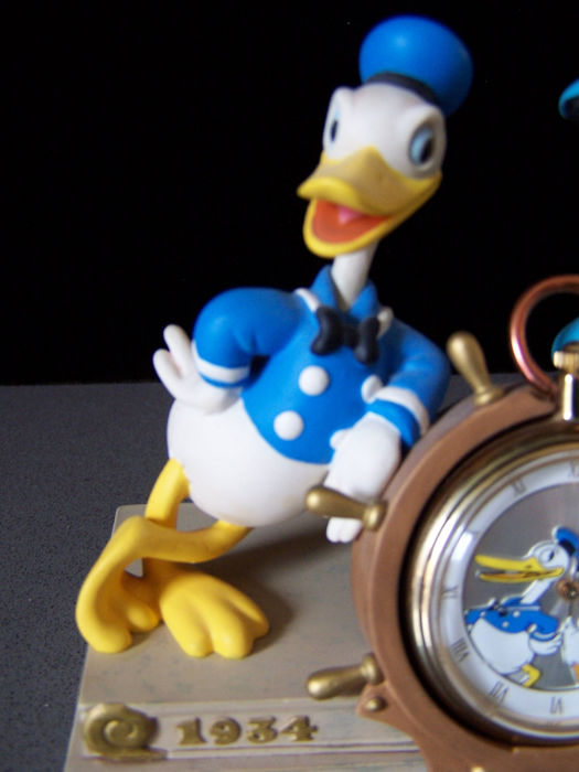 Disney Klok Donald Duck 65 Feisty Years Limited