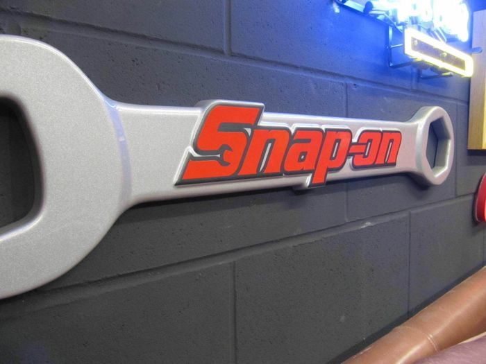 Bewegwijzering - Snap-On Tools - Genuine Giant Snap-On Tools Spanner Wall Sign Retail Advertising Garage Art - 2010-2000
