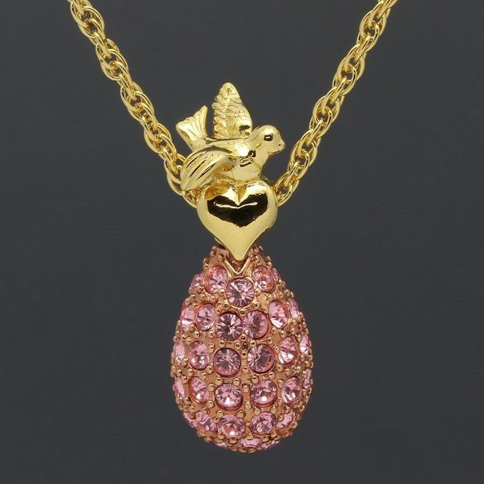 Joan Rivers© - Vintage - Classics Collection Faberge Pendant and necklace - With about 70 pink Austrian Crystals - 24 Carat gold-plated - Very, very good condition - Like new.