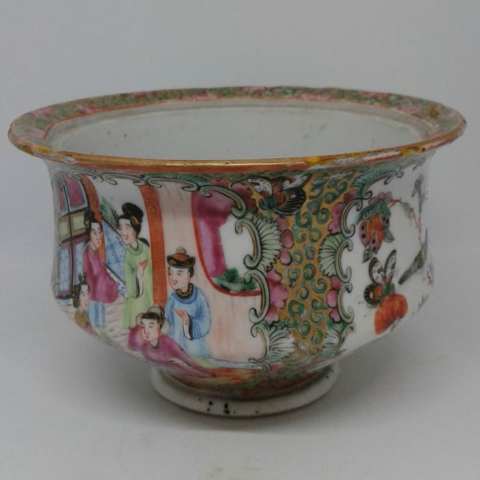 Chinese export   canton famille  rose bowl - Porcelain - China - mid 19th century