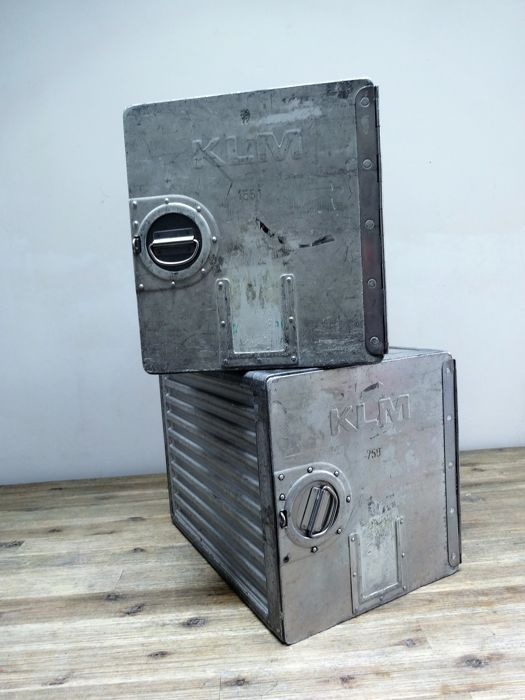Driessen aircraft interior systems - 2 vintage industrial KLM aircraft containers (2)